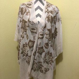 Lucky Brand flowy kimono
